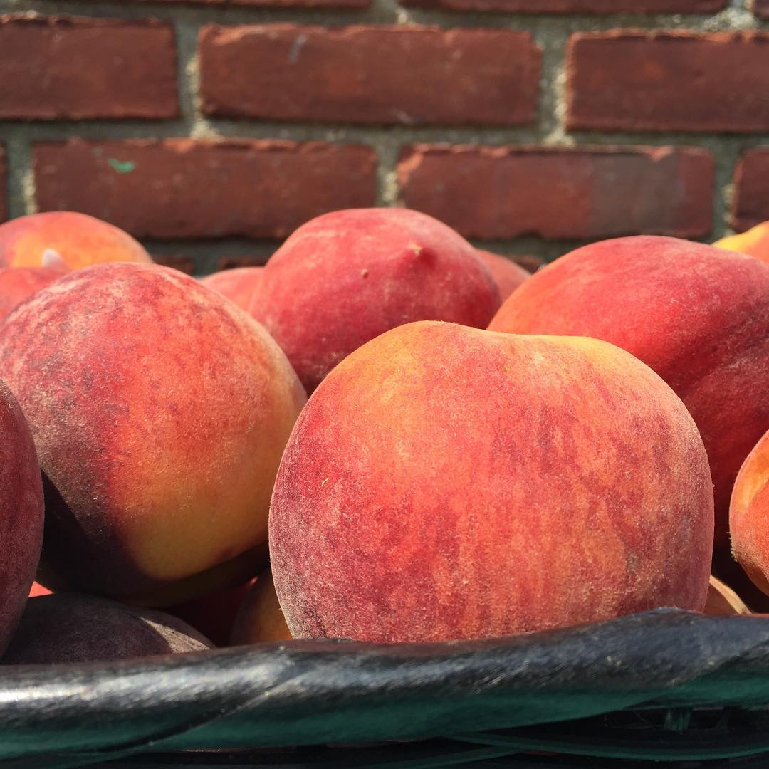 PEACHES! Weve got emorganic sunny and juicy and ripe tohellip