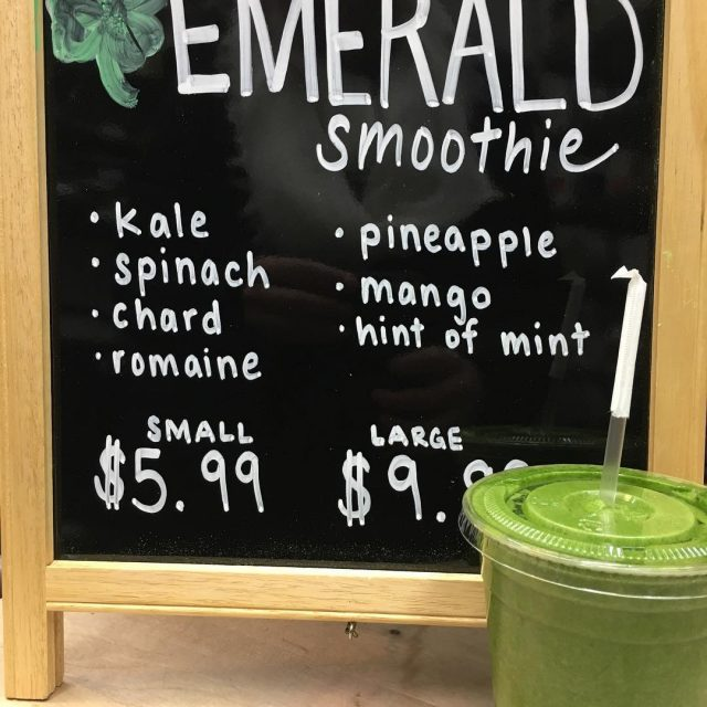 Color your insides GREEN with an Emerald Smoothie Kale romainehellip